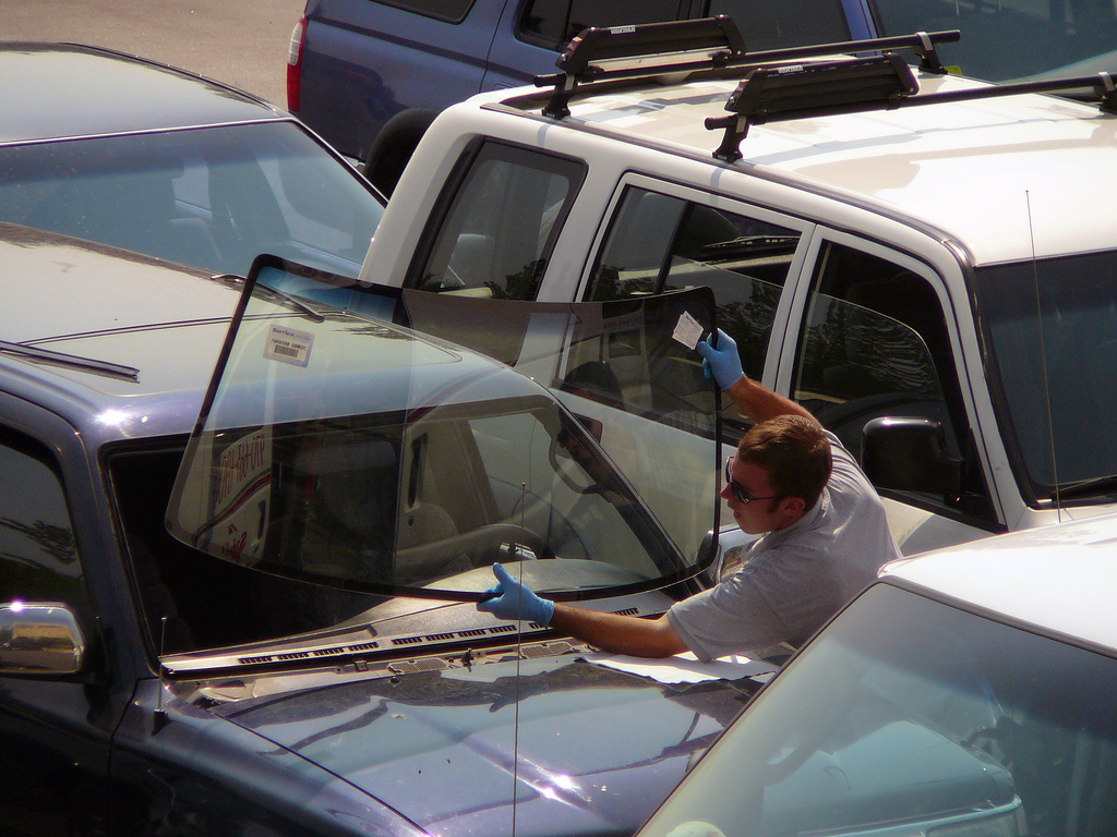 Tips for Finding a Quality Windshield Repair and Replacement Service in Houston, Texas