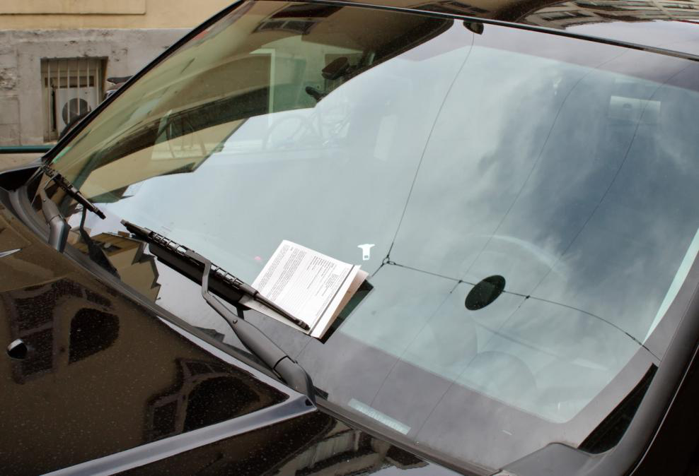 windshield-scratch
